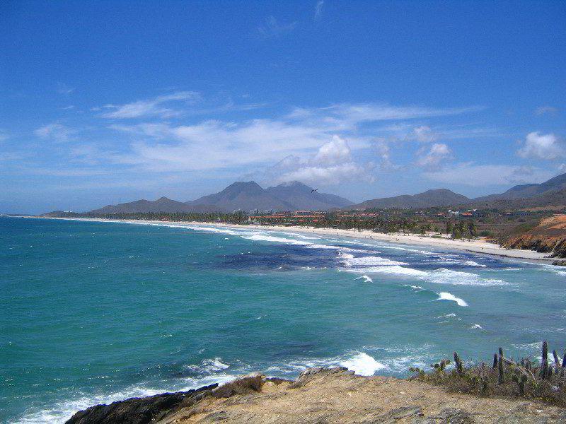playa-el-agua-isla-margarita-venezuela-072